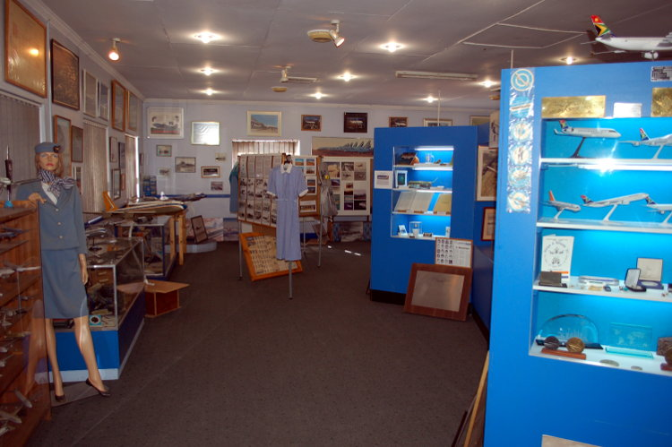 South_African_Airways_Museum_display_hall_16