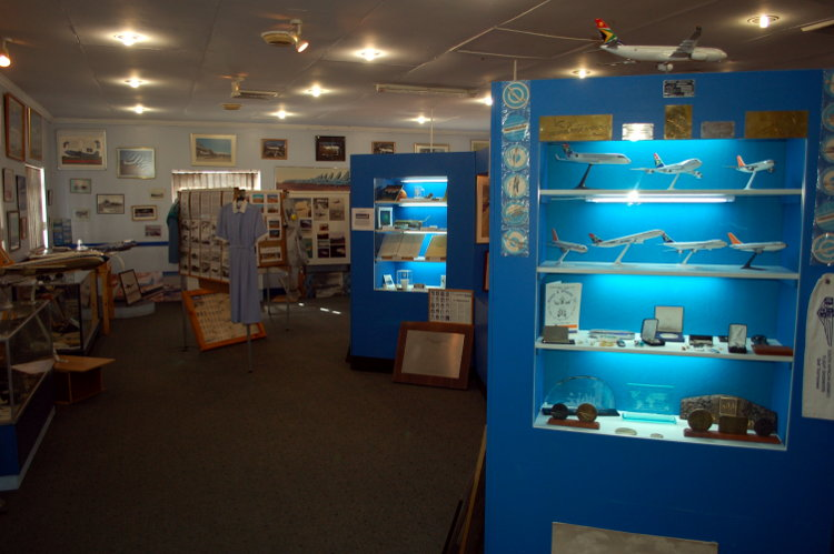 South_African_Airways_Museum_display_hall_17